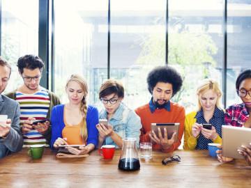 ¿Cómo pagan los millennials, en efectivo o con tarjeta?
